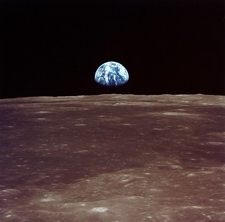 Archive: Apollo 11 Sees Earthrise (NASA, Marsh...