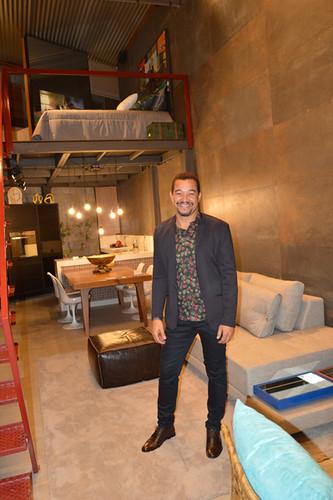 Joel Lima e seu loft, que tem móveis da Novo Stilo