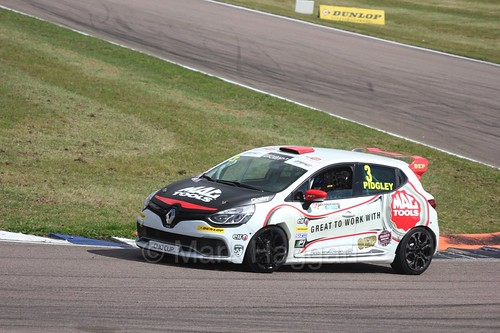Ollie Pidgley in the Clio Cup at Rockingham, August 2016