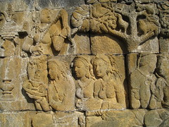 017 E-9, Goddesses visit Queen Maya who has vo...
