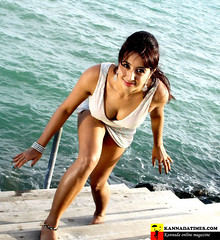 South Actress SANJJANAA Photos Set-7 (18)