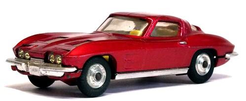 27 Corgi Corvette 1963 (2)