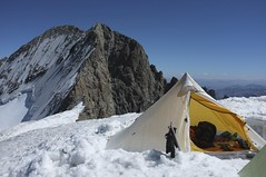 """Khufu CTF3 + Customized Full Breathable-Ripstop Inner Shelter was pitched at the Dôme de Neige of the Écrins (4,015m) • <a style=""""font-size:0.8em;"""" href=""""http://www.flickr.com/photos/40286809@N02/7835975830/"""" target=""""_blank"""">View on Flickr</a>"""