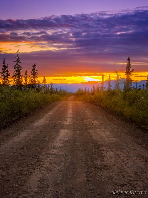 Sunset above Nabesna Road