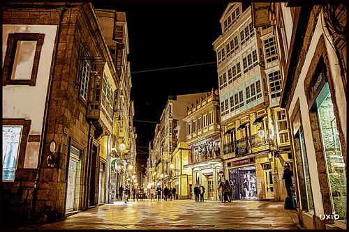 Si vienes de compras, llegas tarde... (Uxo R) noche lluvia corua noviembre galicia fro compras callereal thegalaxy mygearandme mygearandmepremium mygearandmebronze mygearandmesilver