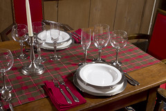 Holiday Table Setting with Libeco Napkins and ...