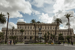 Rome - Palais de justice - HDR Enfuse based on 5 pictures (handeld)