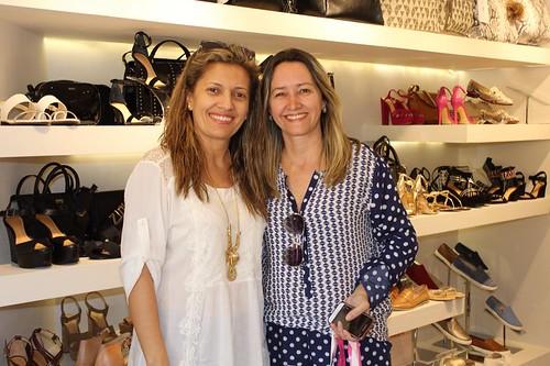Elvira Roque, à direita, e uma amiga