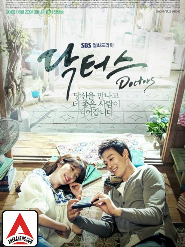 #Gosip Top :Sukses, Pemain dan Kru Drama Doctors Liburan Bareng