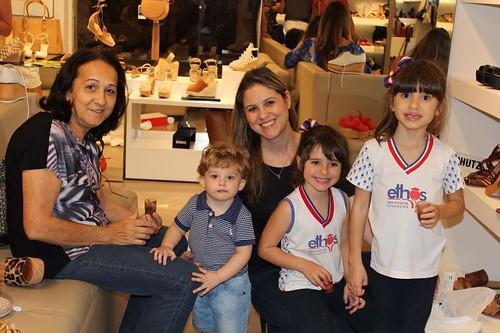 Carol Guerra levou a mamys e as crianças