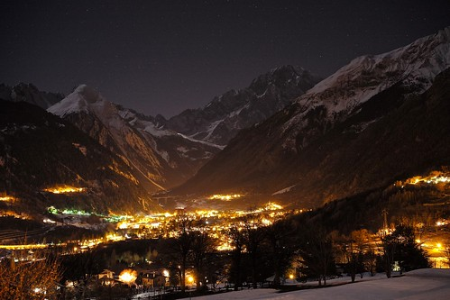 Mont Blanc under the Stars by romanboed, on Flickr