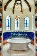Almería Master Bath bathtub