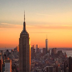Empire and One World #empire #empirestate #oneworld #oneworltradecenter #11s #torresgemelas #usa #nyc #newyork #sky #sunshine #orange #red #nofilters
