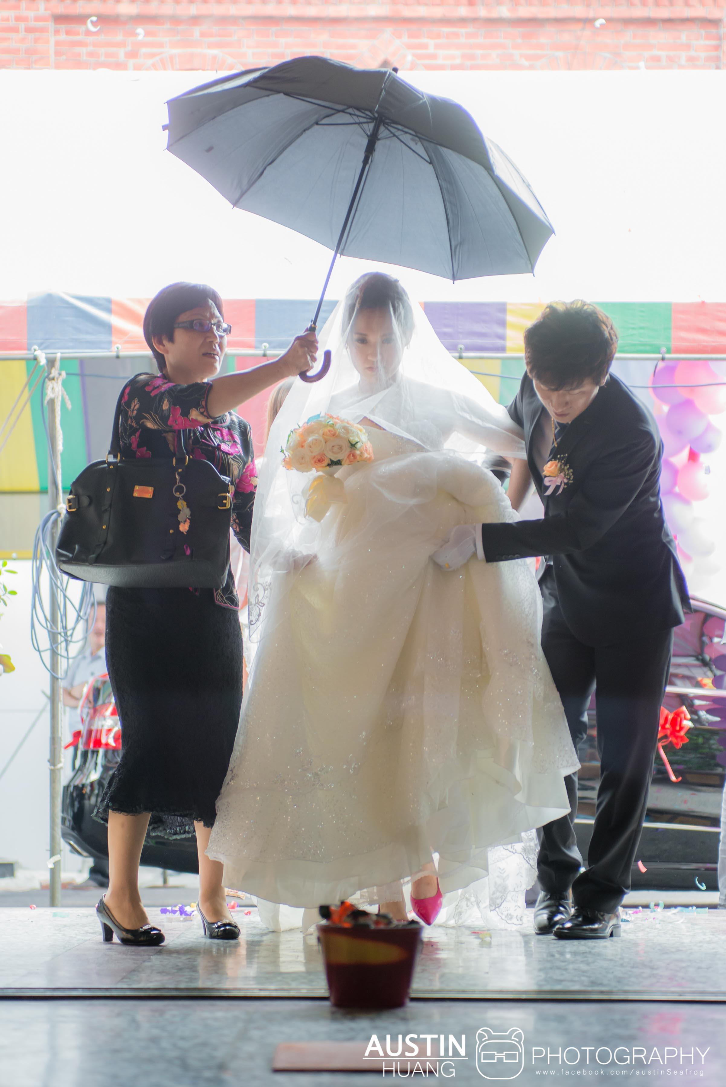 austinseafrog/海蛙攝影/婚攝海蛙婚禮攝影/婚禮紀錄/拍婚禮/婚攝/婚禮錄影/新祕/踩瓦片/過火爐