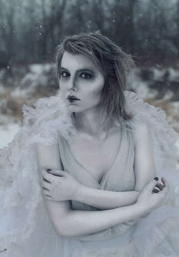 winter white ny newyork cold ice statue stone painting buffalo paint makeup bodypaint chilly facepaint styling brrr westernnewyork wny whitepaint styled icequeen aleahmichele aleahmichelephotography
