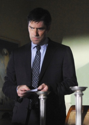 """Thomas Gibson é suspenso de """"Criminal Minds"""" após agredir escritor da série"""