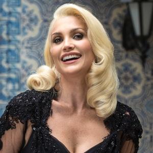 """Flávia Alessandra diz que suas cenas de sexo na TV foram """"café com leite"""""""