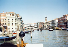 1998 05 18 Venice view NE to the Rialto bridge from the Grand Canal with San Bartolomeo bell tower