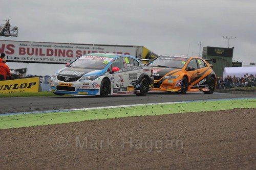 Tom Ingram and Matt Neal in BTCC race 2 during the Knockhill Weekend 2016