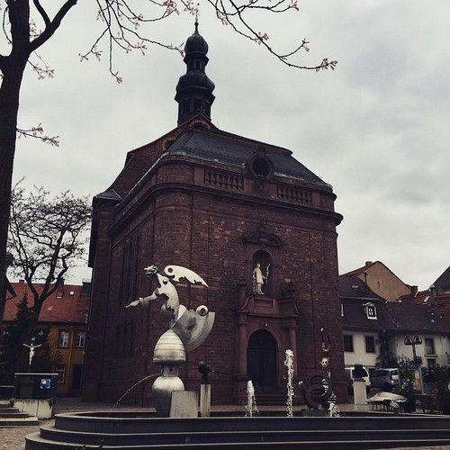 Katholische #Kirche in #Wiesloch mit #Brunnen