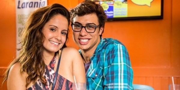 """Casal em """"Malhação"""", Amanda de Godói e Francisco Vitti estão namorando"""