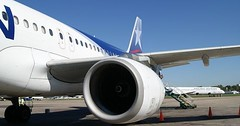 "Das Flugzeugtriebwerk. Die Flugzeugtriebwerke. Oder: Die Flugzeugturbine. Die Flugzeugturbinen. • <a style=""font-size:0.8em;"" href=""http://www.flickr.com/photos/42554185@N00/27932638283/"" target=""_blank"">View on Flickr</a>"
