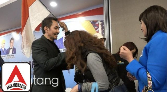 #Gosip Top :Sebelum Aa Gatot Ditangkap, Reza Artamevira Sempat Cium Tangan