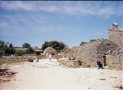 2000 05 22 Gordes - Village des Bories - Gallic huts