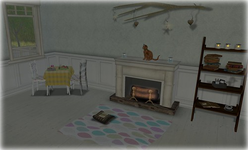 Breafkast Nook & Fireplace