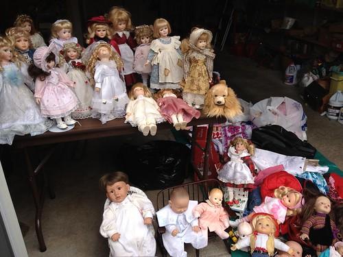 Doll garage