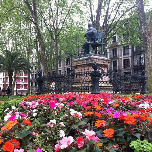 Jardines de trueba cuando una calle en bilbao jabier for Calle jardines bilbao