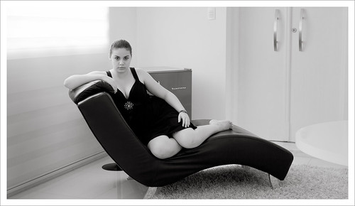 Lari (chaise longue) by Luiz L.
