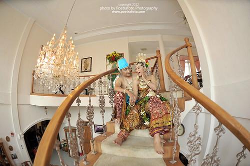 Traditional Java Wedding Dress Photo take with Fisheeye Lens Nikon by Fotografer Indonesia by POETRAFOTO - Fotografer Yogyakarta Indonesia