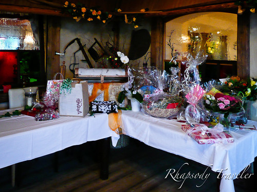 table of wedding gifts