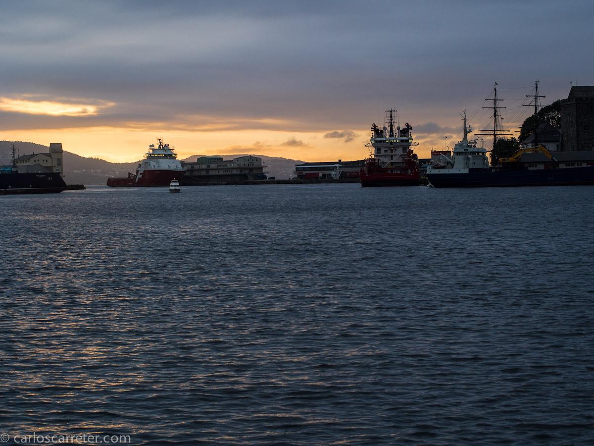 Atardecer en el puerto