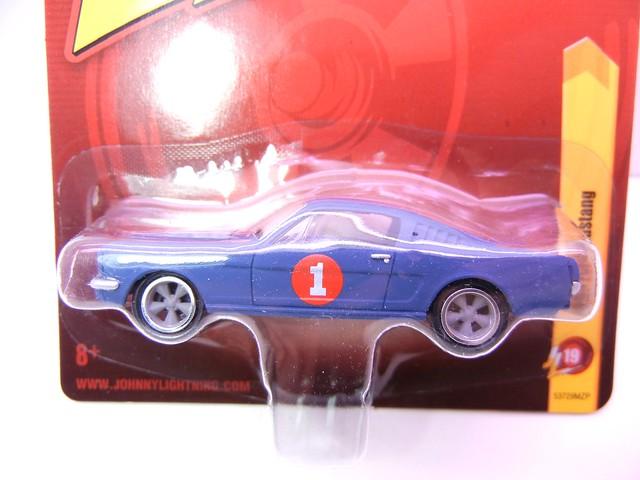 johnny lightning 1965 ford mustang blue (2)