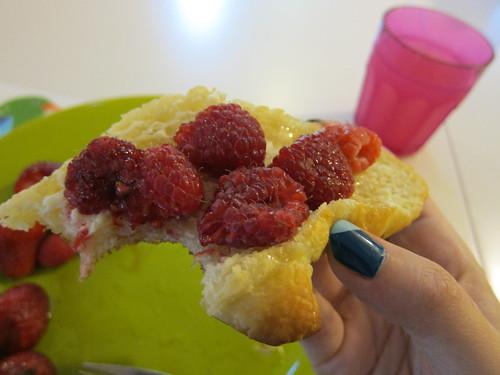 Croissant, Berries, Honey