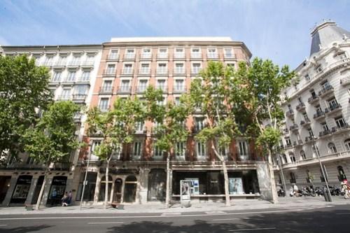 Amancio Ortega abrirá un Zara de seis plantas en el 23 de Serrano ... 0931e53de80