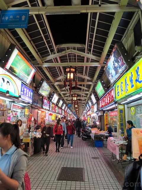 Taipei Hwashi Tourist Night Market-005