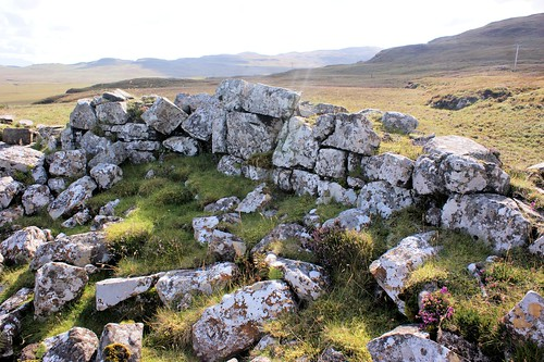 Ruins of a broch on the B884 south of Dunvegan.