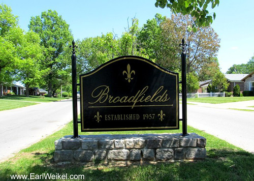 Broadfields Louisville KY Homes For Sale 40207 Houses off Cannons Lane Near I-64 by EarlWeikel.com