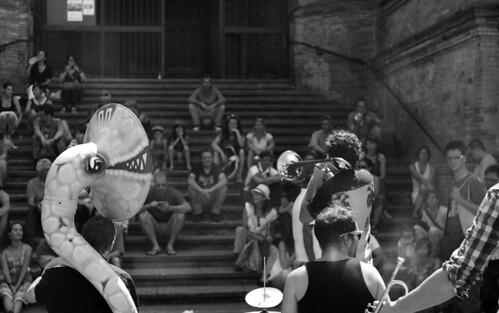 Musiciens au marché st Aubin Toulouse 2012 by Rohmtof