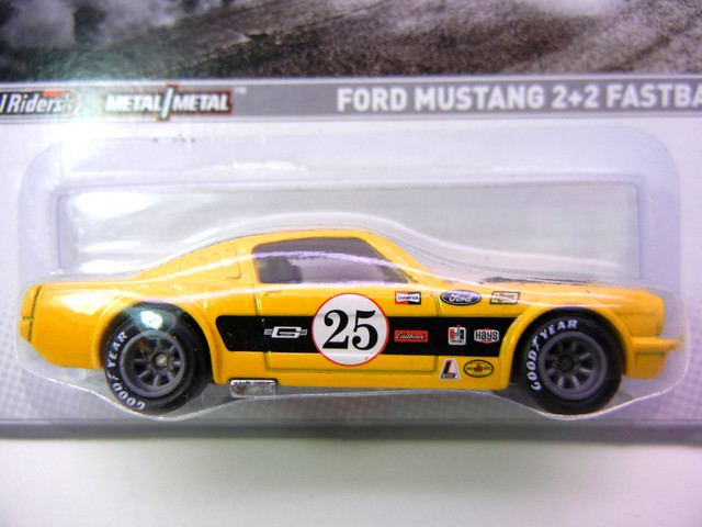 hot wheels 2012 muscle ford mustang 2+2 fastback (2)
