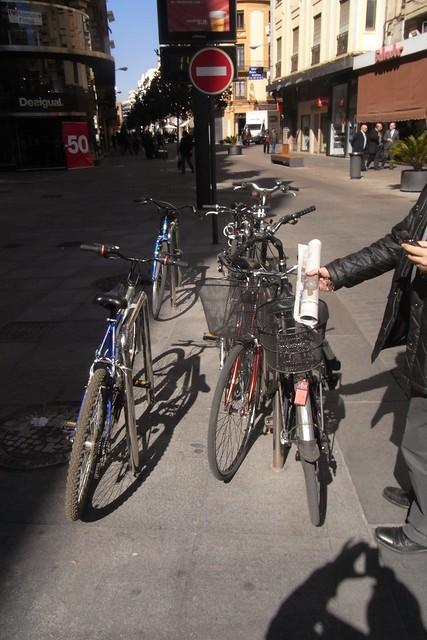 Aparcamiento para Bicicletas en la calle Cruz Conde.