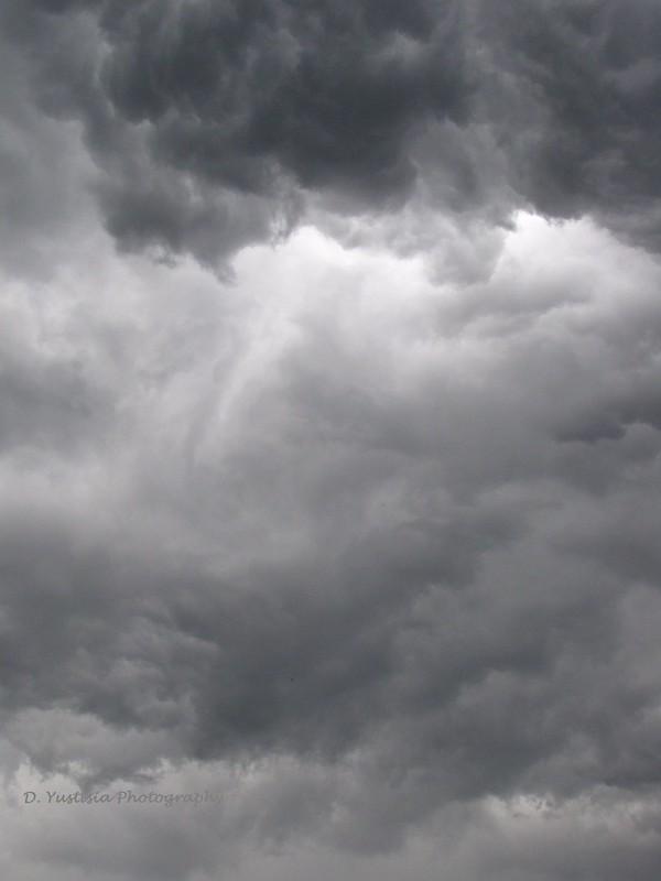 ominous-cloud
