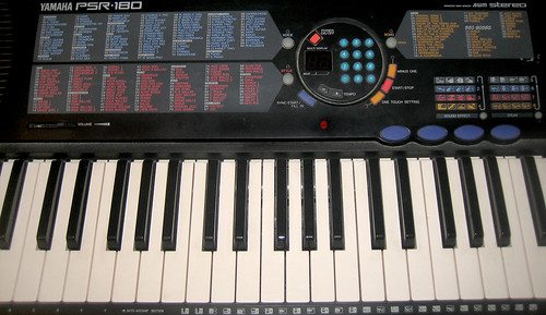20120603 - yardsale booty - 2 - keyboard - IMG_4357