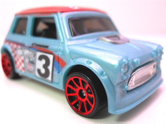 hot wheels morris mini blue (2)