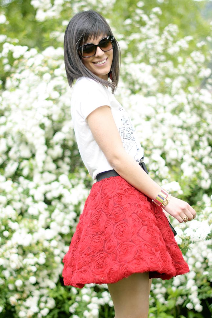 Red roses skirt