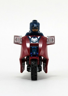 6865 Captain America's Avenging Cycle - Front