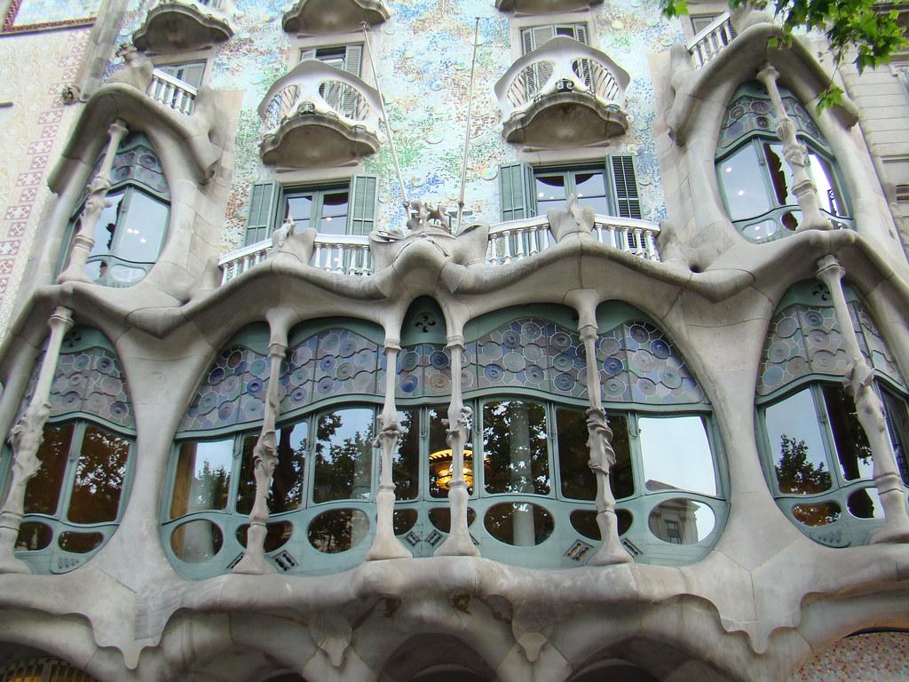 Barcelona-Casa Batlló/fachadas modernistas 03